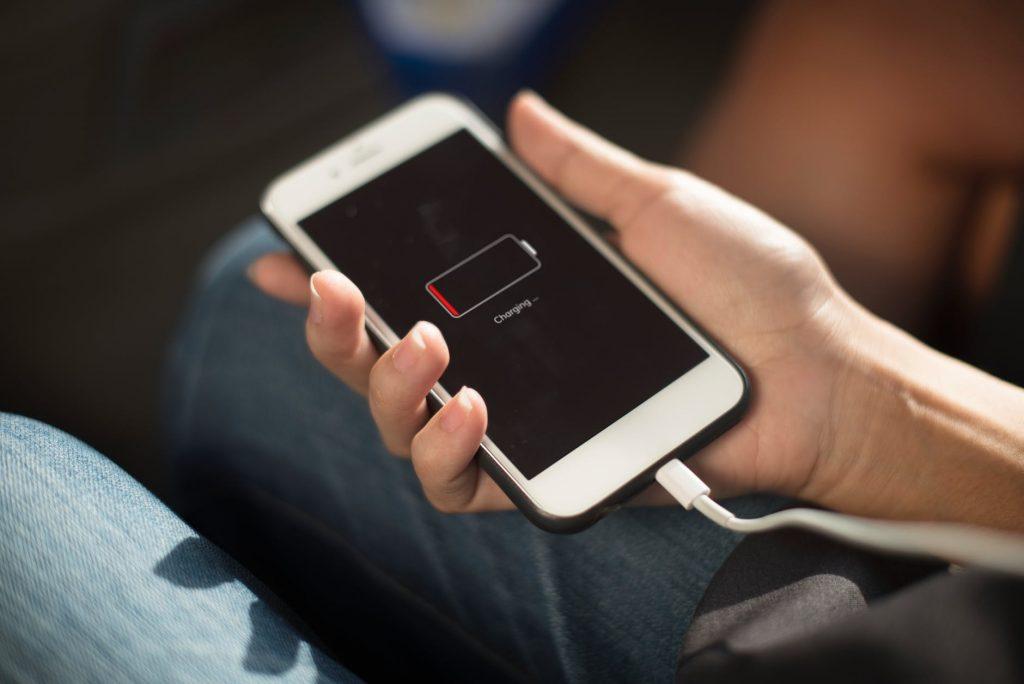 Woningbrand komt vaak door accu mobiel