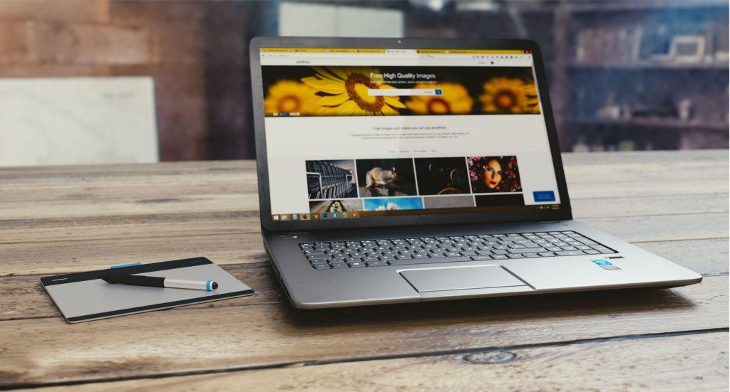 Afplakken van de camera je laptop – zin of onzin?