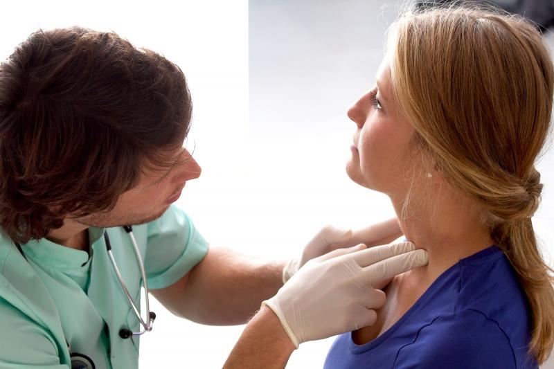 Opgezette klieren: de oorzaken van gezwollen klieren in de hals