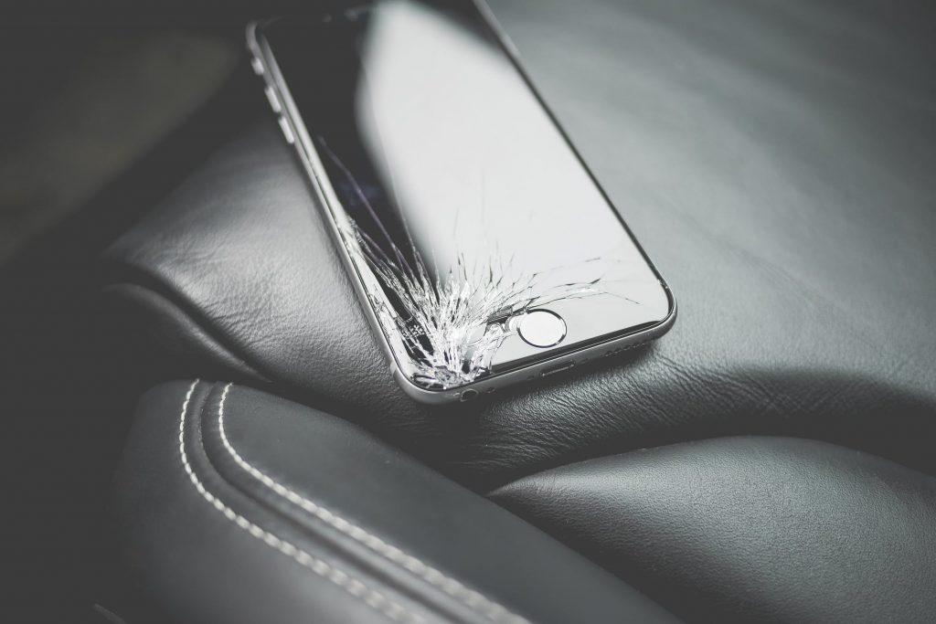 Waarom gaan smartphones steeds sneller kapot?