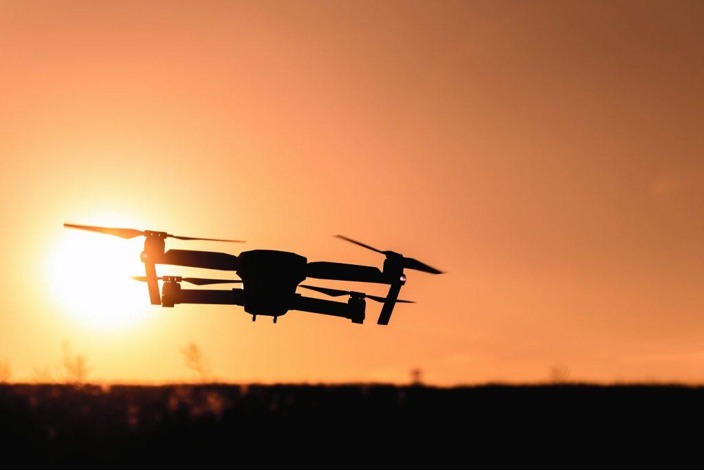 Hoe werkt de besturing van drones met de smartphone/apps?