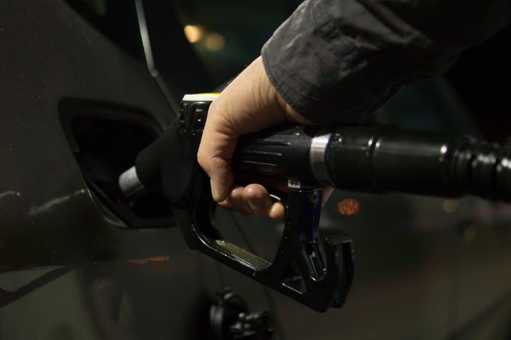 Hoeveel geld bespaar je met een laadpas bij elektrisch rijden?
