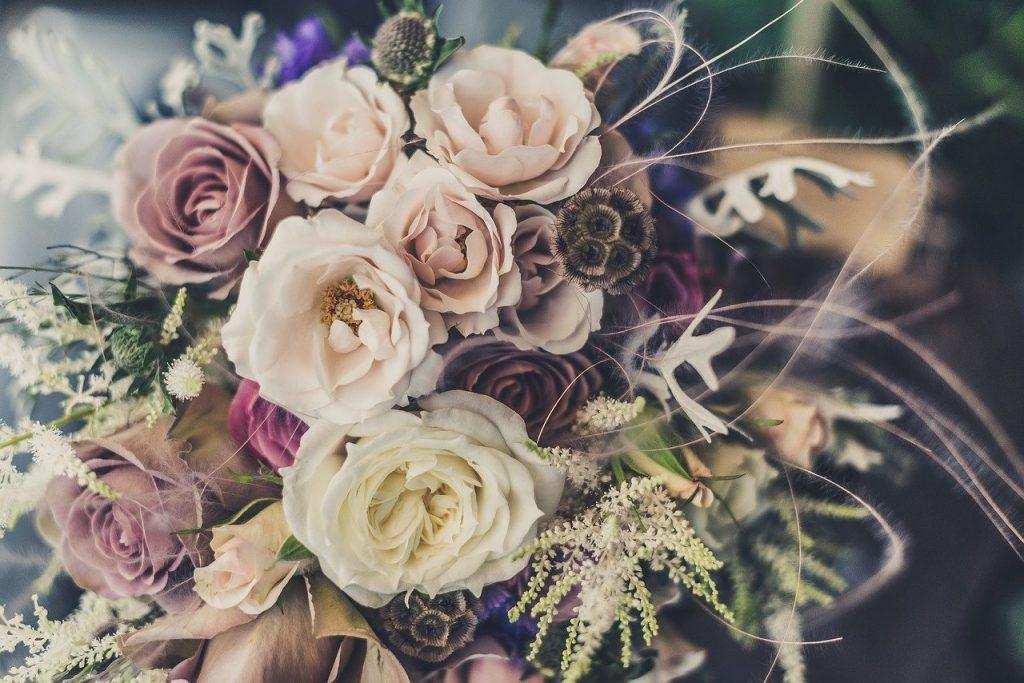 Je maakt een bloemenboeket nog leuker door middel van een persoonlijk kaartje